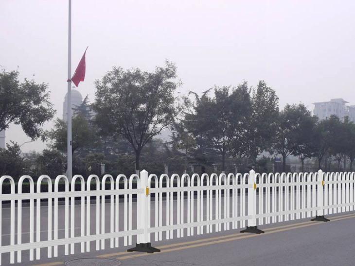 铝合金护栏厂家分析铝护栏件变形的原因与改进方案